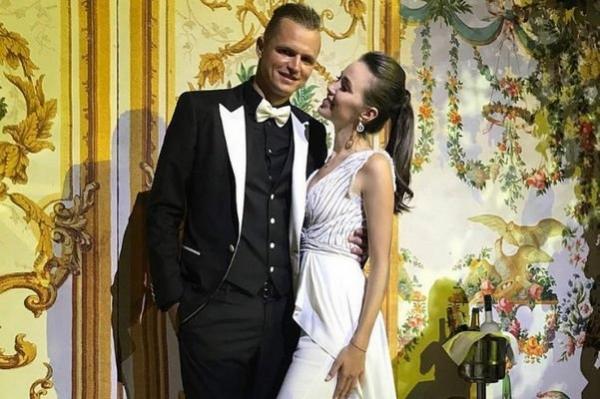 (Foto) Fostul soț al Olgăi Buzova s-a căsătorit!