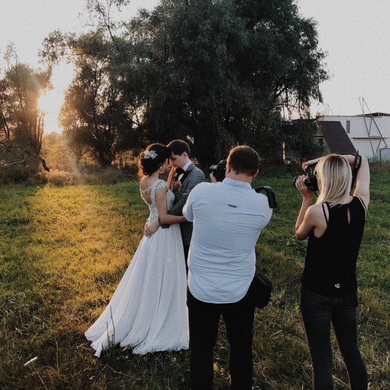 'La ce oră să mă înscriu la makeup și coafură?' sfaturi de la fotograful de nuntă Natalia Bostan