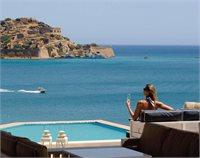 Luna de miere pe insula Creta de la
