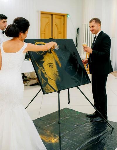 Cadou neobișnuit pentru nuntă - Portret cu Pulbere de aur