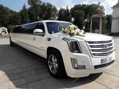 Cadillac Escalade - o limuzină luxoasă de la Limos