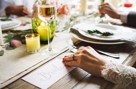 Ce băuturi sunt cele mai solicitate la nunțile din Moldova