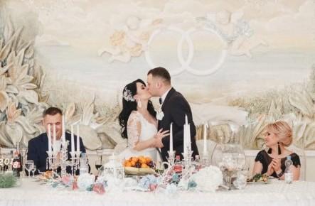 """""""Chiar în ziua nunții eu încă nu știam ce coafură vreau!"""" Interviu cu stilista vedetelor - Victoria Ghecrea"""