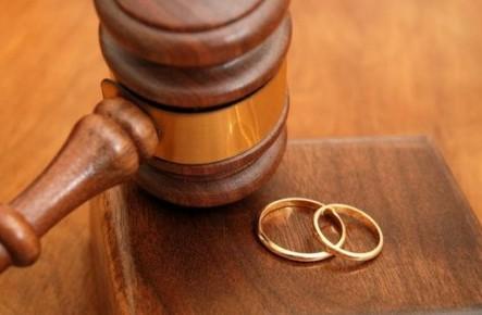 Divorț fără birocrație:  căsătoria va putea fi desfăcută și în baza unui acord comun al soților