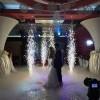 Show de lumini, fum, balonașe de săpun, laser, focuri de artificii - totul pentru o petrecere vie
