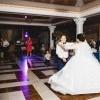Răsfățați-vă cu primul dans al mirilor, oferit de
