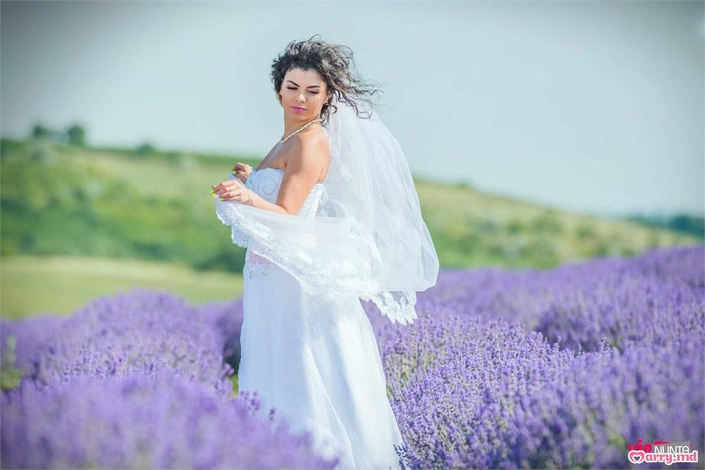 Стань божественной!  Выбери свадебное платье со шлейфом.  Представляем вам несколько моделей, которые можно найти в салонах Кишинева