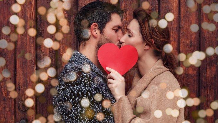 """Cum îți surprinzi bărbatul iubit de """"Ziua Îndrăgostiților""""?"""