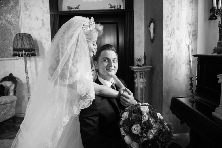 """""""În timpul pregătirilor de nuntă, nu am avut timp de stres, însă soțul meu a fost foarte stresat și panicat!"""". Interviu cu Luminița Dragotă"""