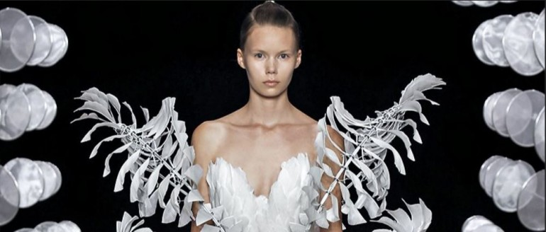Rochii de mireasă ale viitorului de la designerița Iris van Herpen