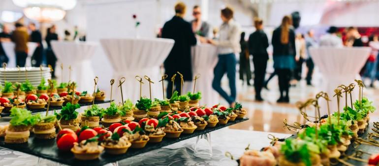 De ce să alegi catering pentru evenimentul tău?