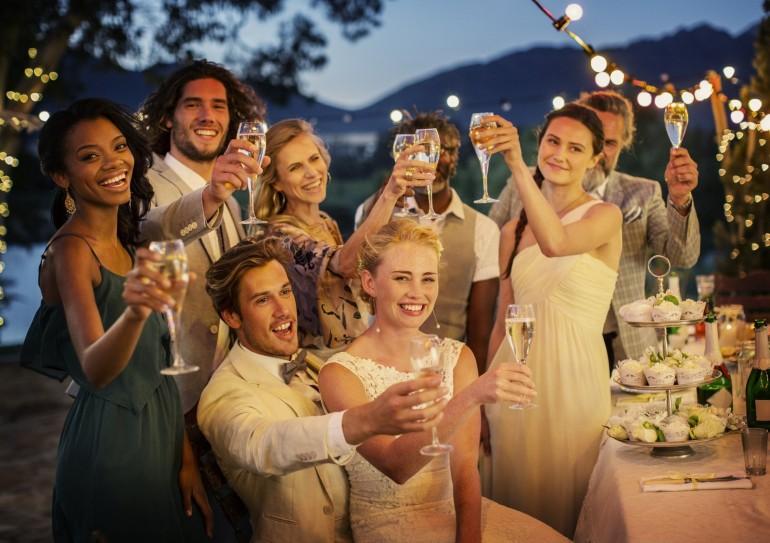 Cât te costă să mergi la o nuntă?