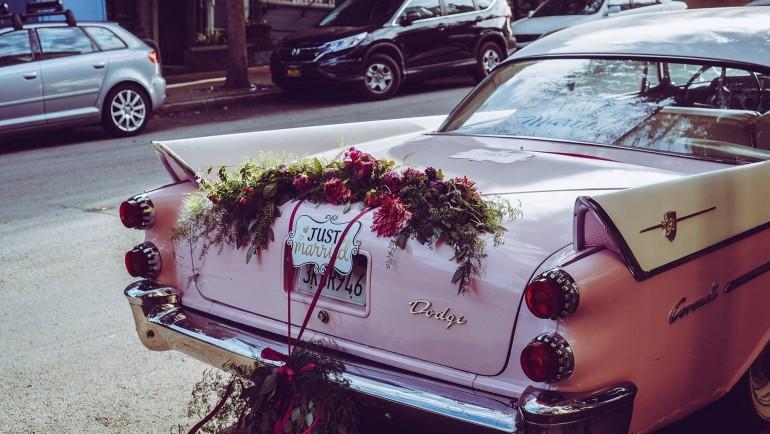 Cum să ajungi la nuntă cu stil