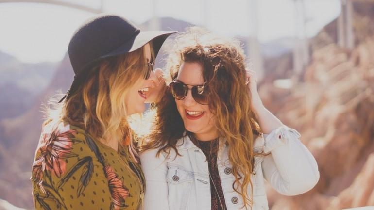 10 comportamente toxice din partea prietenilor, pe care să nu le tolerezi