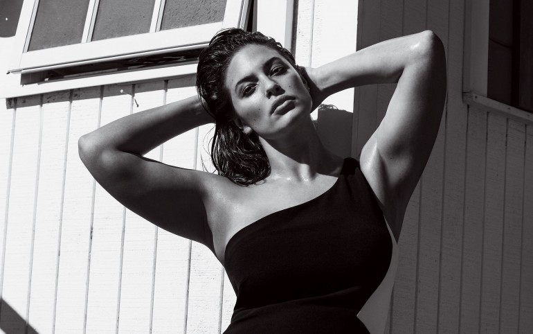 Ashley Graham, cel mai cotat model plus size, și-a anunțat sarcina! Vezi primele poze.