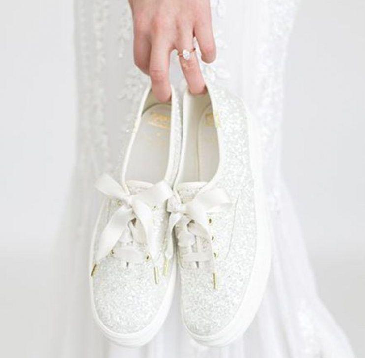 Fii O Mireasă Originală Poartă Teniși La Nuntă în Loc De Pantofi