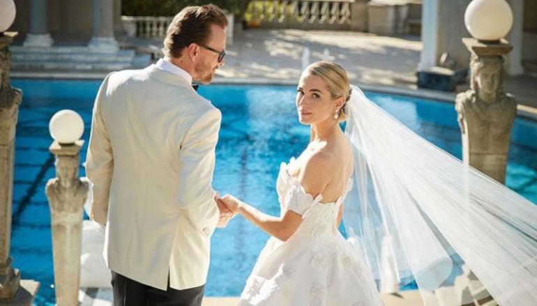 Moștenitoarea imperiului mediatic Hearst, Amanda Hearst, s-a măritat în 5 rochii fabuloase