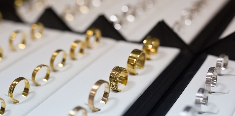 Как выбрать обручальные кольца? Советы от ювелиров