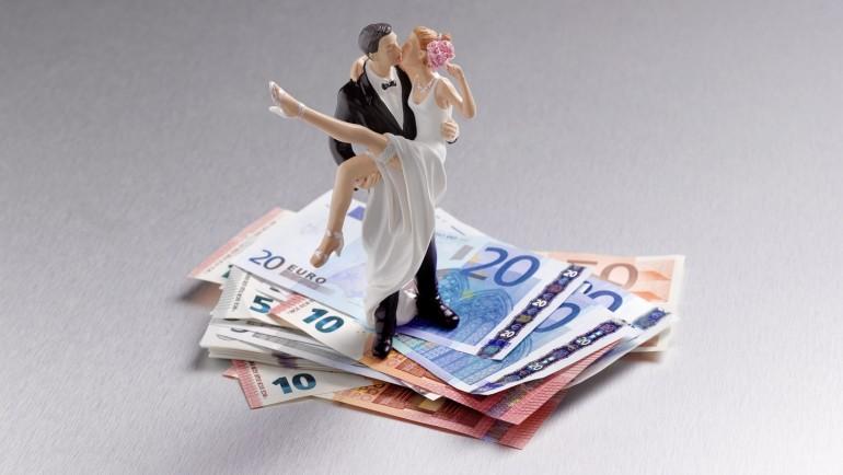 Ce faceți cu banii de la nuntă?