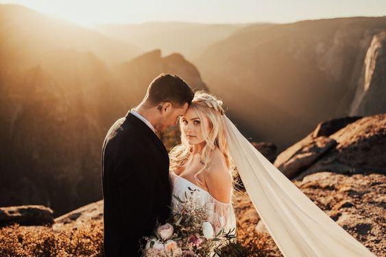 Cautand Femeia Icelandica vaduva cu o nunta de fotografie