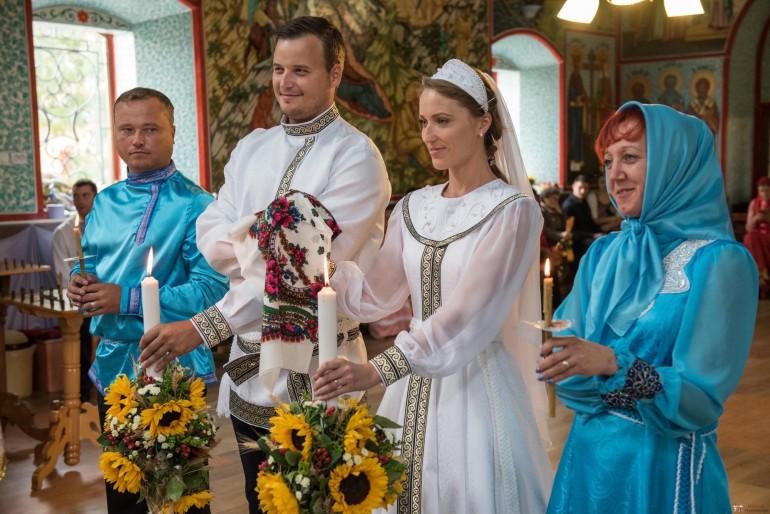 """Un preot din Moldova a renunțat la mai multe obiceiuri din timpul cununiei: """"Toate acestea creează multe mituri"""""""