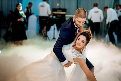 Învață dansul mirilor împreună cu Dorina