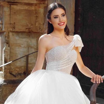"""Свадебное платье Sofia в салоне """"Casa Miresei Lavinia"""""""