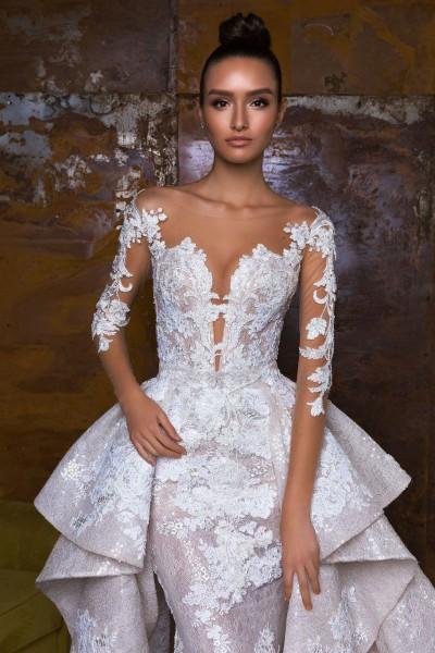 Свадебное платье в салоне