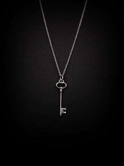 Bijuterii Kuki:  (colier cheiță  argint  925)