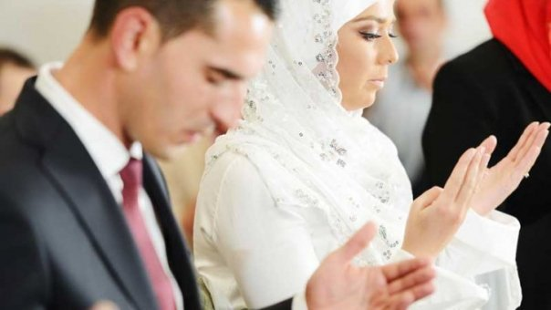 Nunta La Musulmani Ce Fac Mirii în Noaptea Nunții Tradiția Care